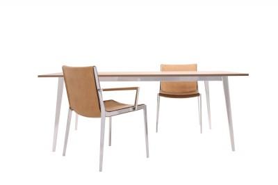 UNIQUE_CHAIR_TABLE_01